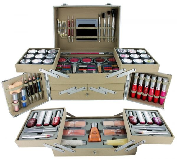 Buy Max Beauty Professional Makeup Kit | KSA | Souq