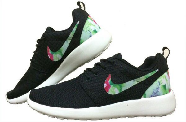 super popular 18f66 2cdfe Nike Roshe Run Black Hawaiian Floral Women's Shoes EUR SIZE ...