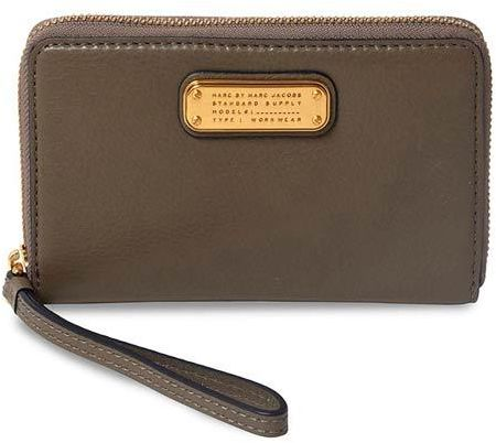 b897f474941 Marc Jacobs Puma Taupe Wingman Wristlet Leather Wallet for Women [MJ ...