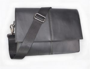 ca827c3182 Sale on leather bags