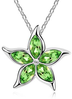 Green crystal starfish pendant necklace