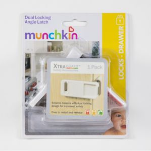MUNCHKIN Xtra Guard DUAL LOCKING ANGLE LATCH Safety Accessories DRAWERS+CABINETS