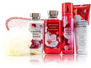 Bath and body works JAPANESE CHERRY BLOSSOM 5 gift set. buble. body lotion. body cream. shower gel. and fragrance mist.