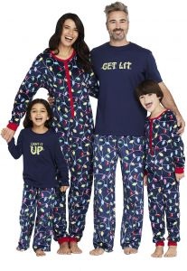 69ba918828 Sale on cafepress - christmas giraffes - womens light pajamas ...