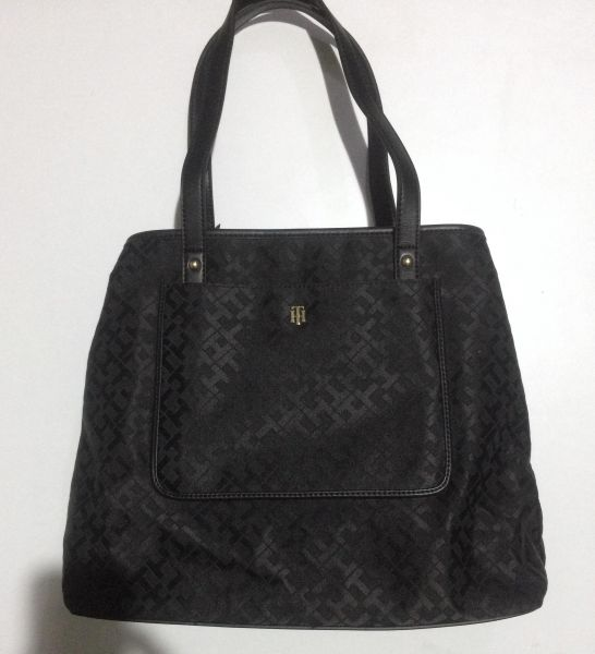 9a26100d722 Tommy Hilfiger Black canvas large Tote Handbag for women with extra pouch