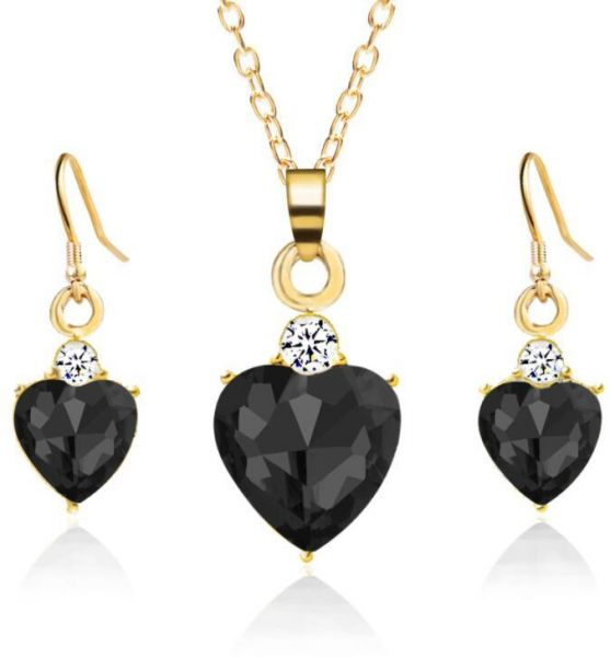 Women's Heart Crystal Necklace Earrings Set Retro Fashion Exquisite Pendant Jewelry