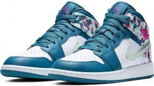 be897e9edab8c5 Nike Air Jordan 1 Mid Sneaker for Kids Mixed
