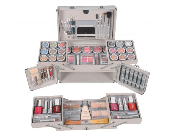280 00 Aed. 280 00 Aed. Loreal Makeup Kit In Uae ...